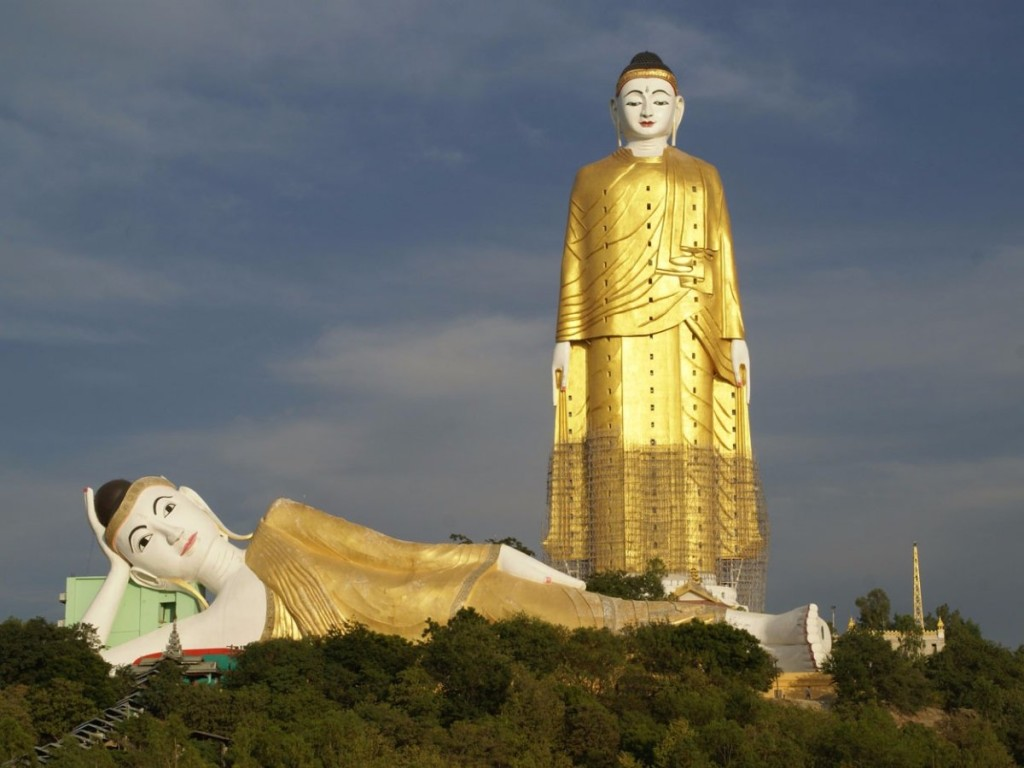 at-380-feet-tall-myanmars-laykyun-sekkya-buddha-built-on-top-of-po-kaung-hills-is-the-second-tallest-statue-in-the-world-at-its-foot-is-the-monywa-buddha--the-largest-reclining-buddha-in-the-world