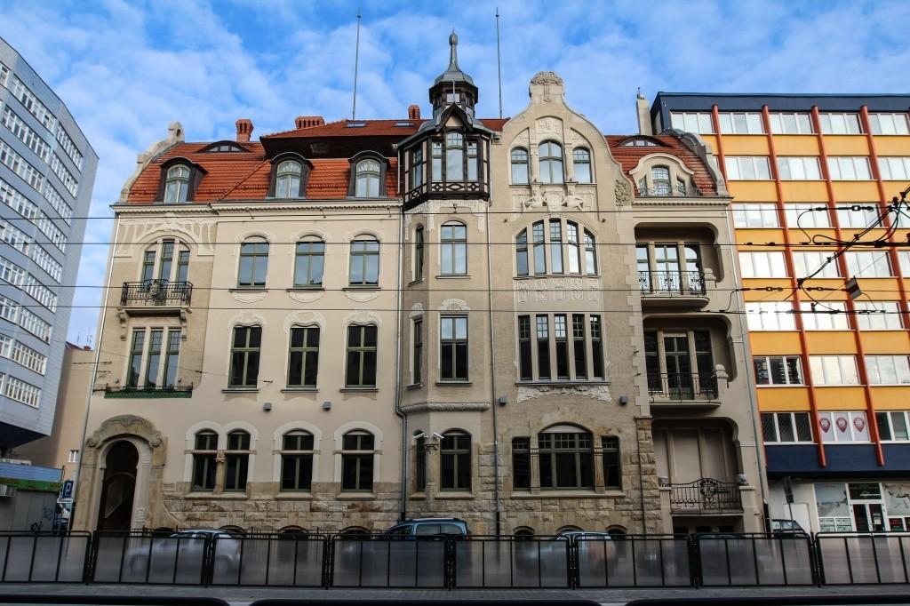 9 Kamienica, obecnie budynek naukowo-dydaktyczny Instytutu Chemii Bioorganicznej PAN – Poznańskiego Centrum Superkomputerowo Sieciowego POO