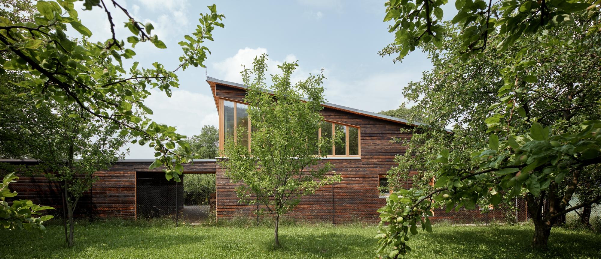 Drewniany dom letniskowy