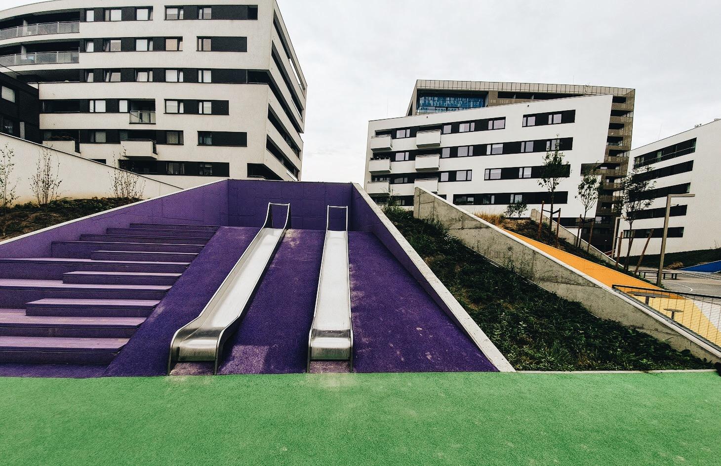 Kolorowy plac zabaw w Poznaniu
