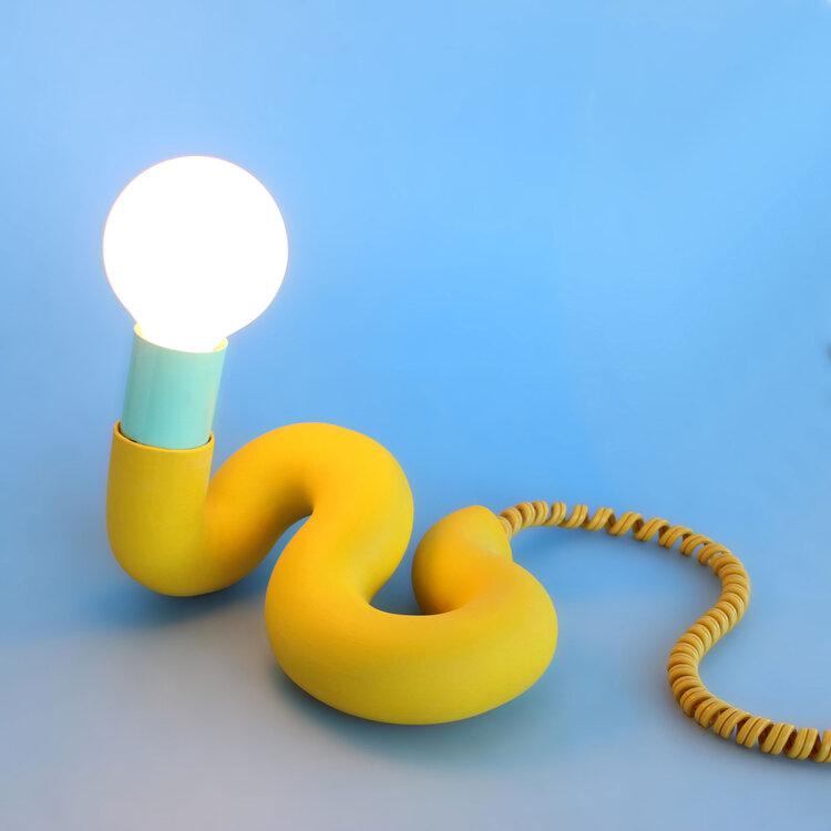 lampy Erin Smith