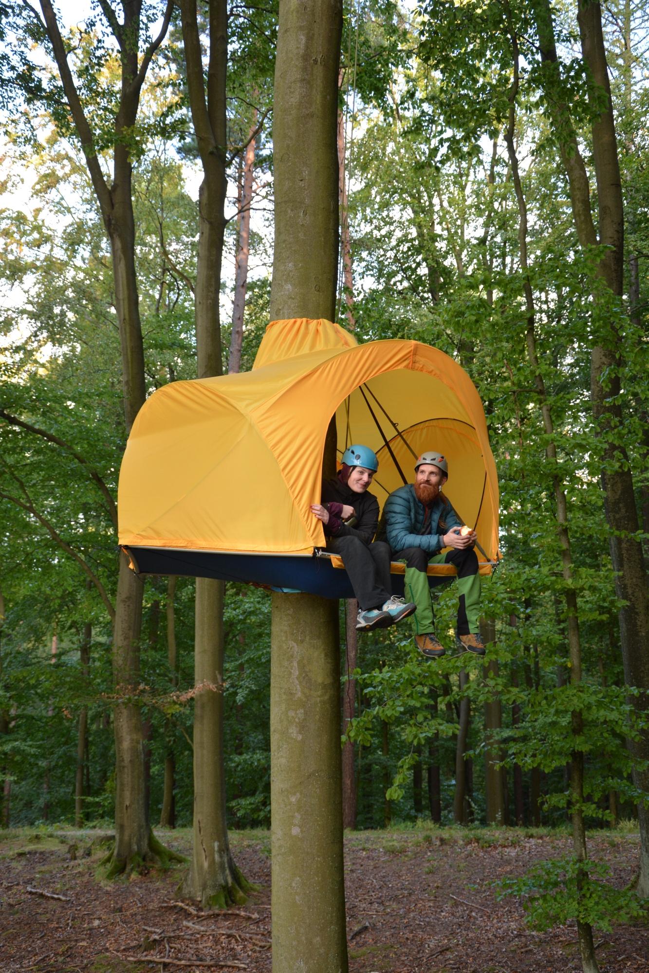 HUBA namiot na drzewie