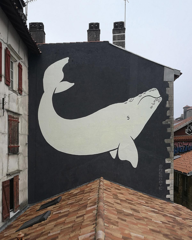 Mural z wielorybem