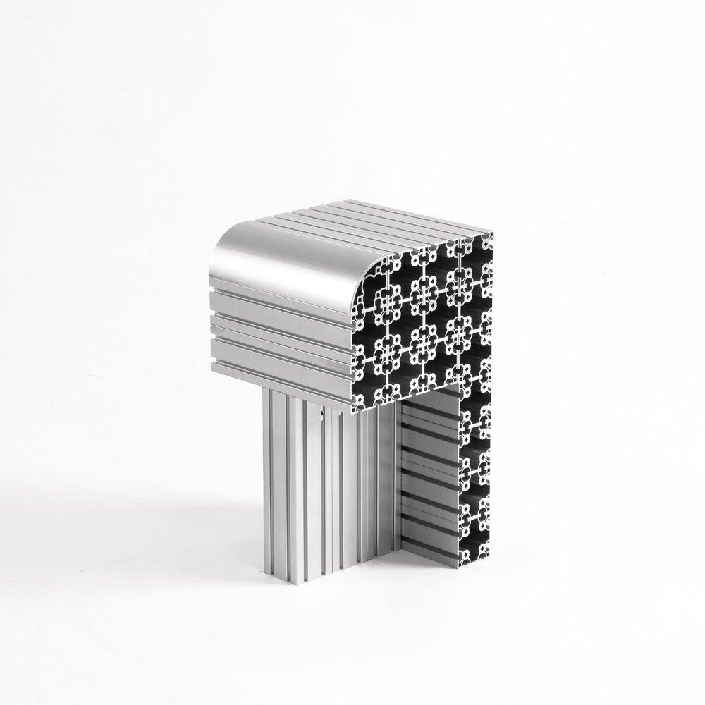Meble z aluminium