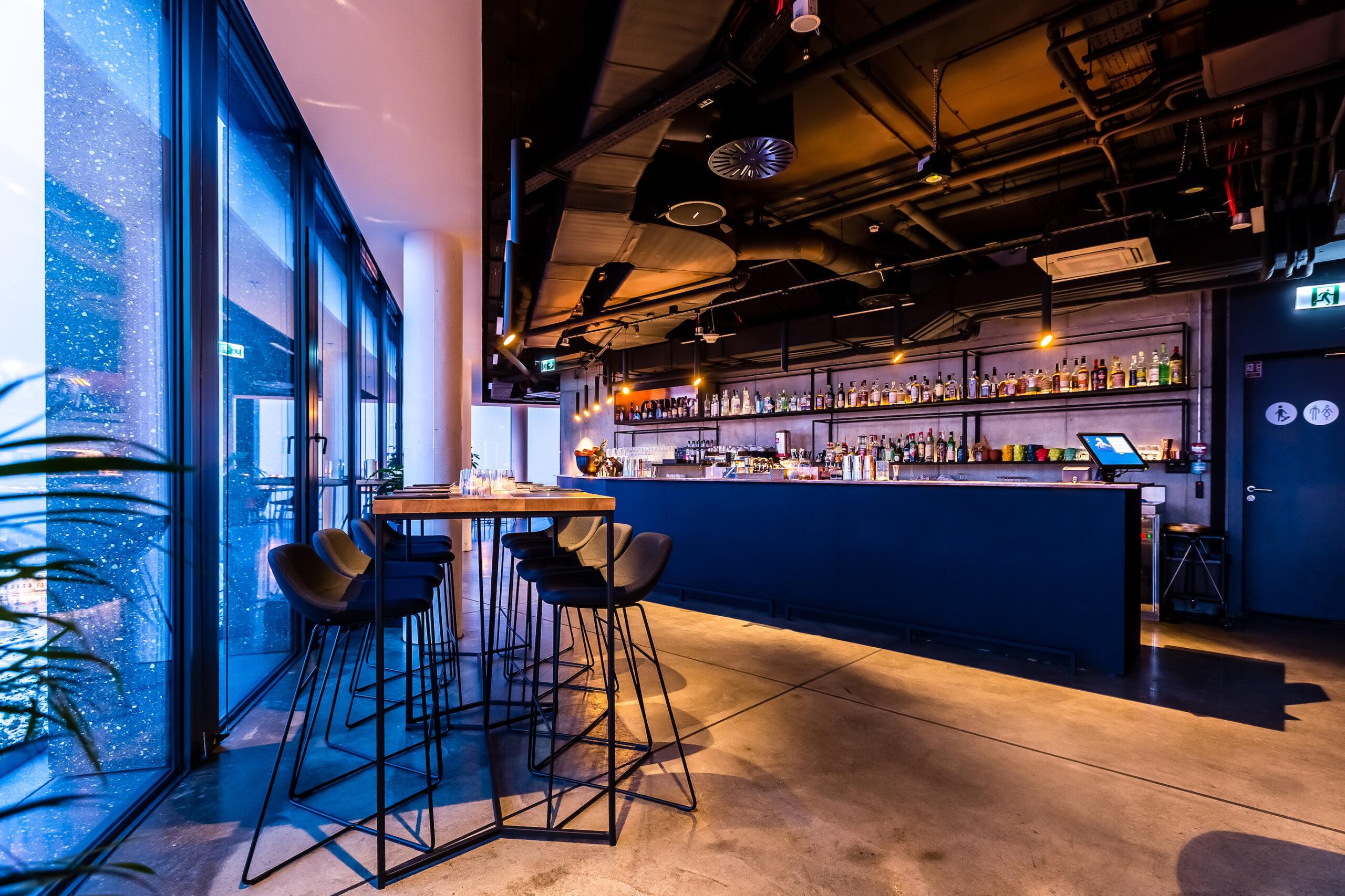 Bar z widokiem na Poznań