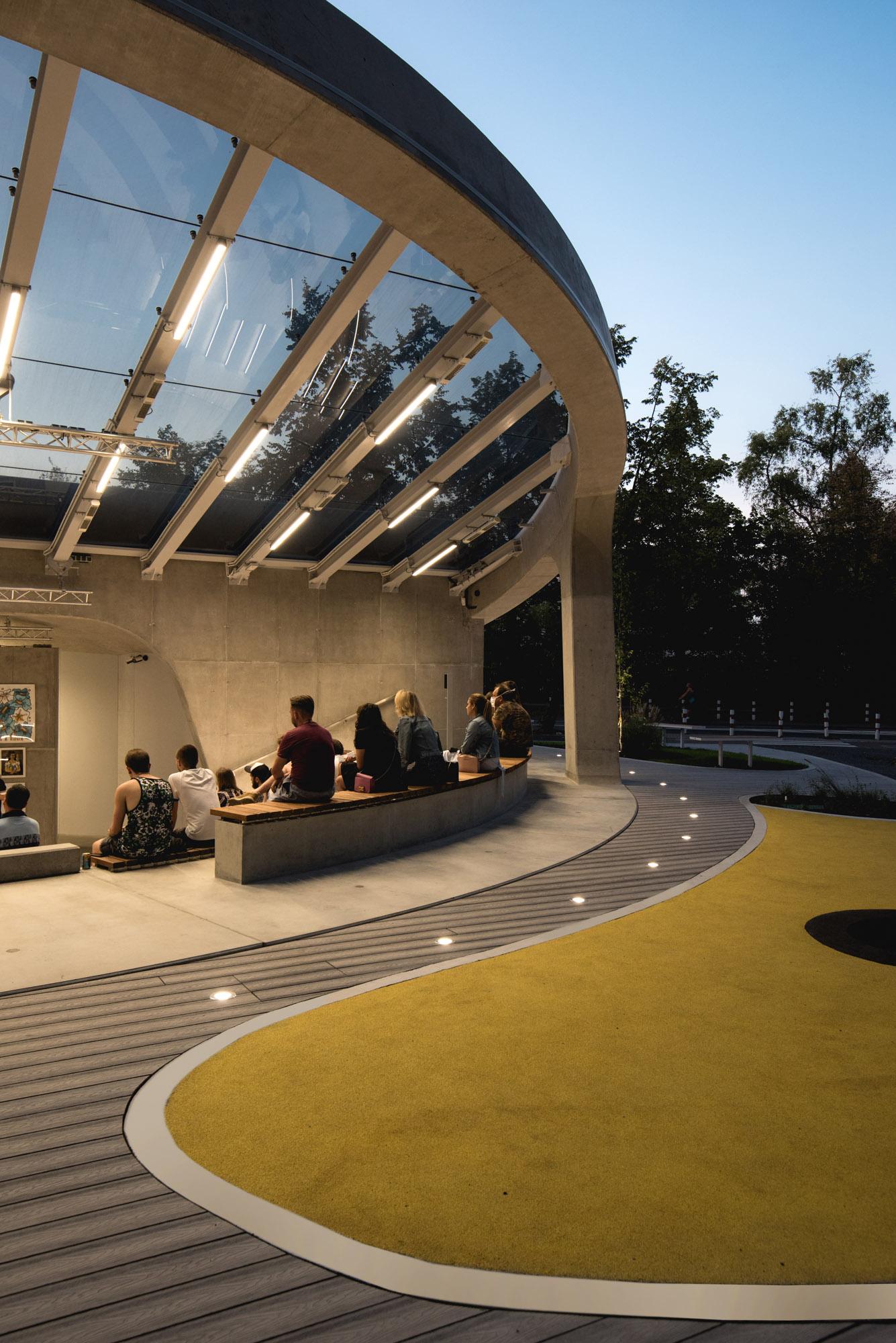 Amfiteatr Brain Embassy
