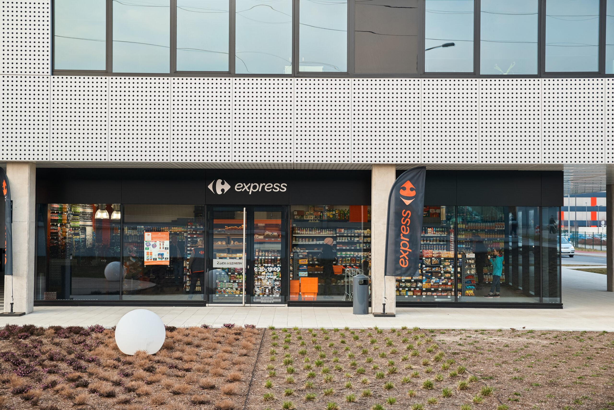 Carrefour plastiku