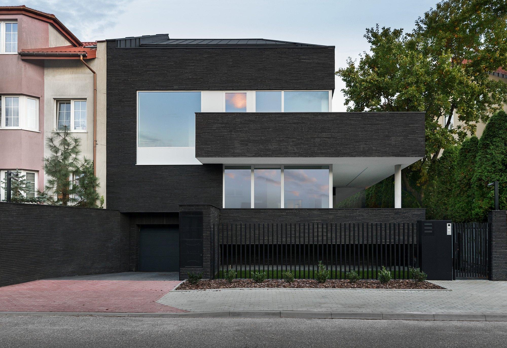 Nietypowy dom w Warszawie