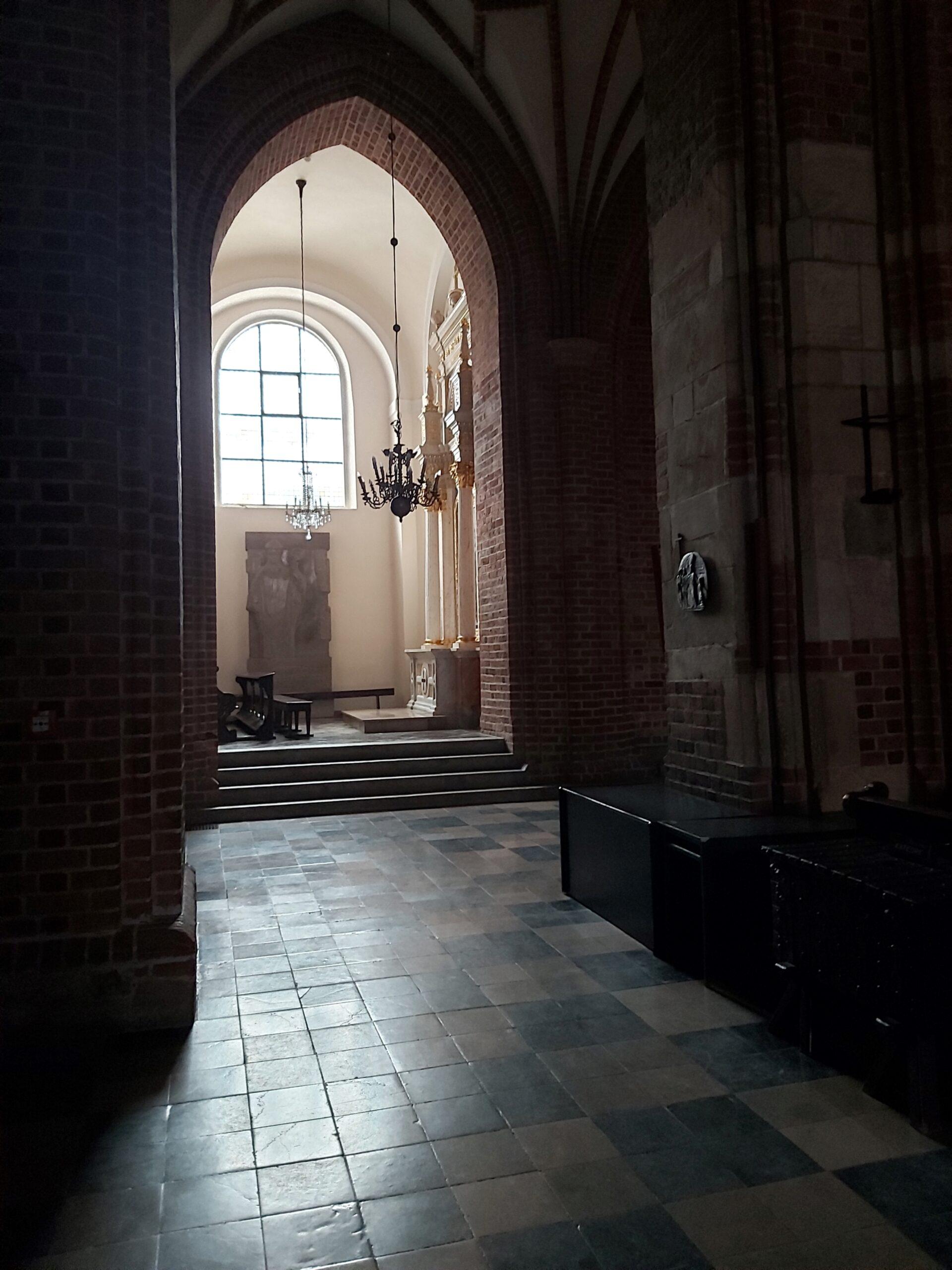 Powojenne losy poznańskiej katedry