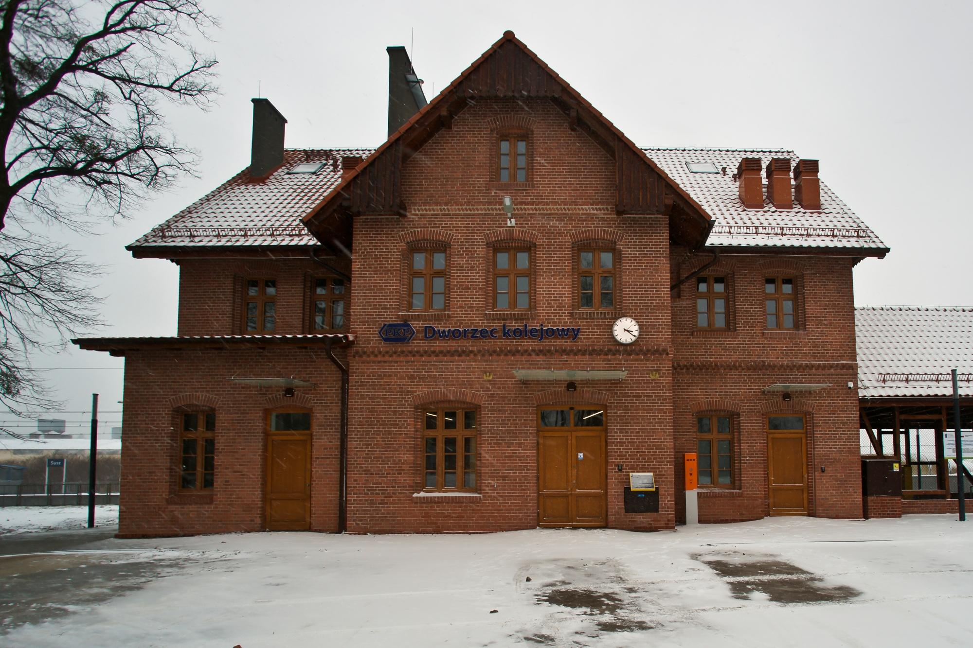 dworzec w suszu