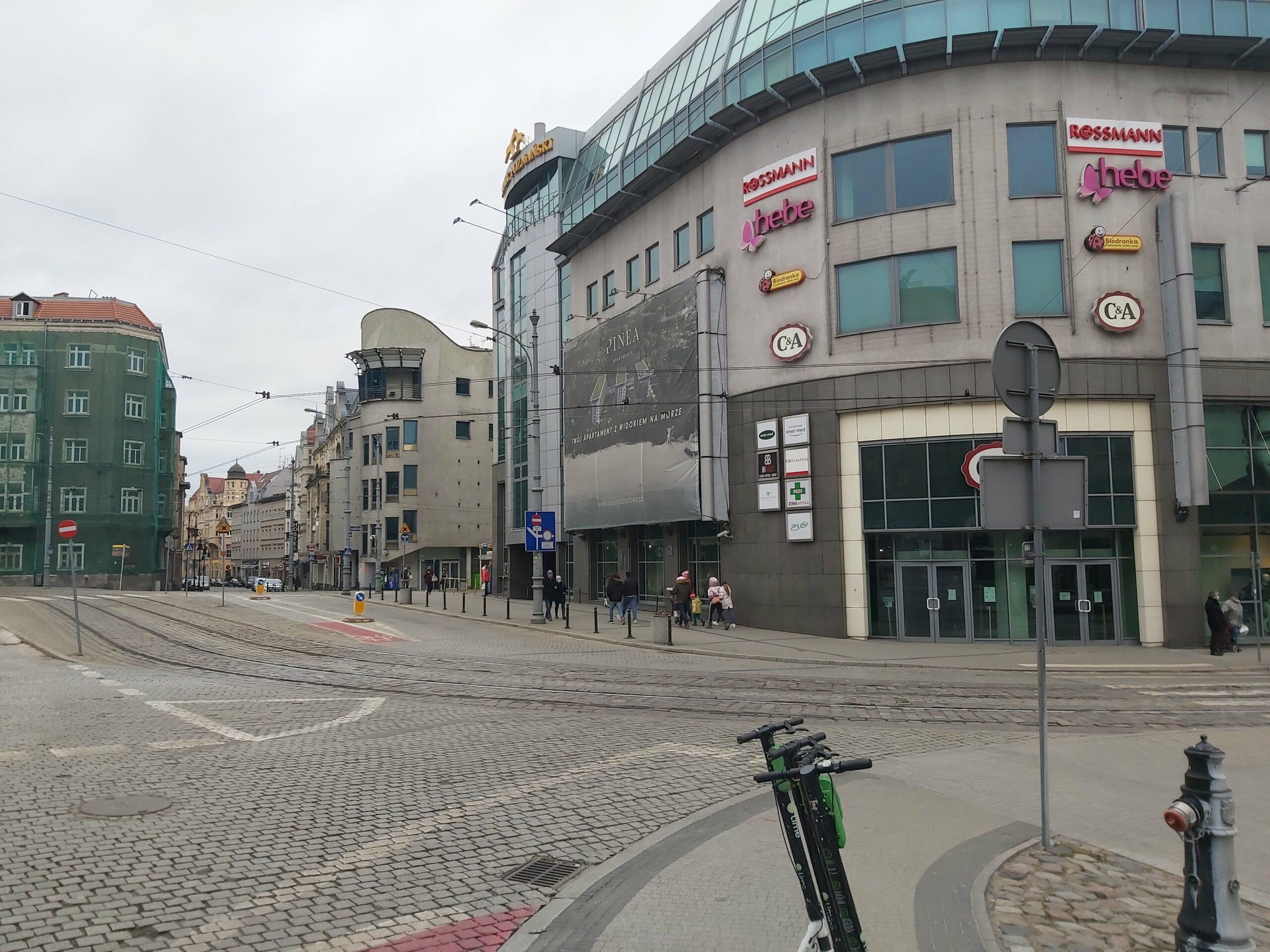 Plac Wiosny ludów kiedyś i dziśś