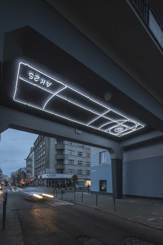 Neon AK25 w Gdyni od Traffic Design