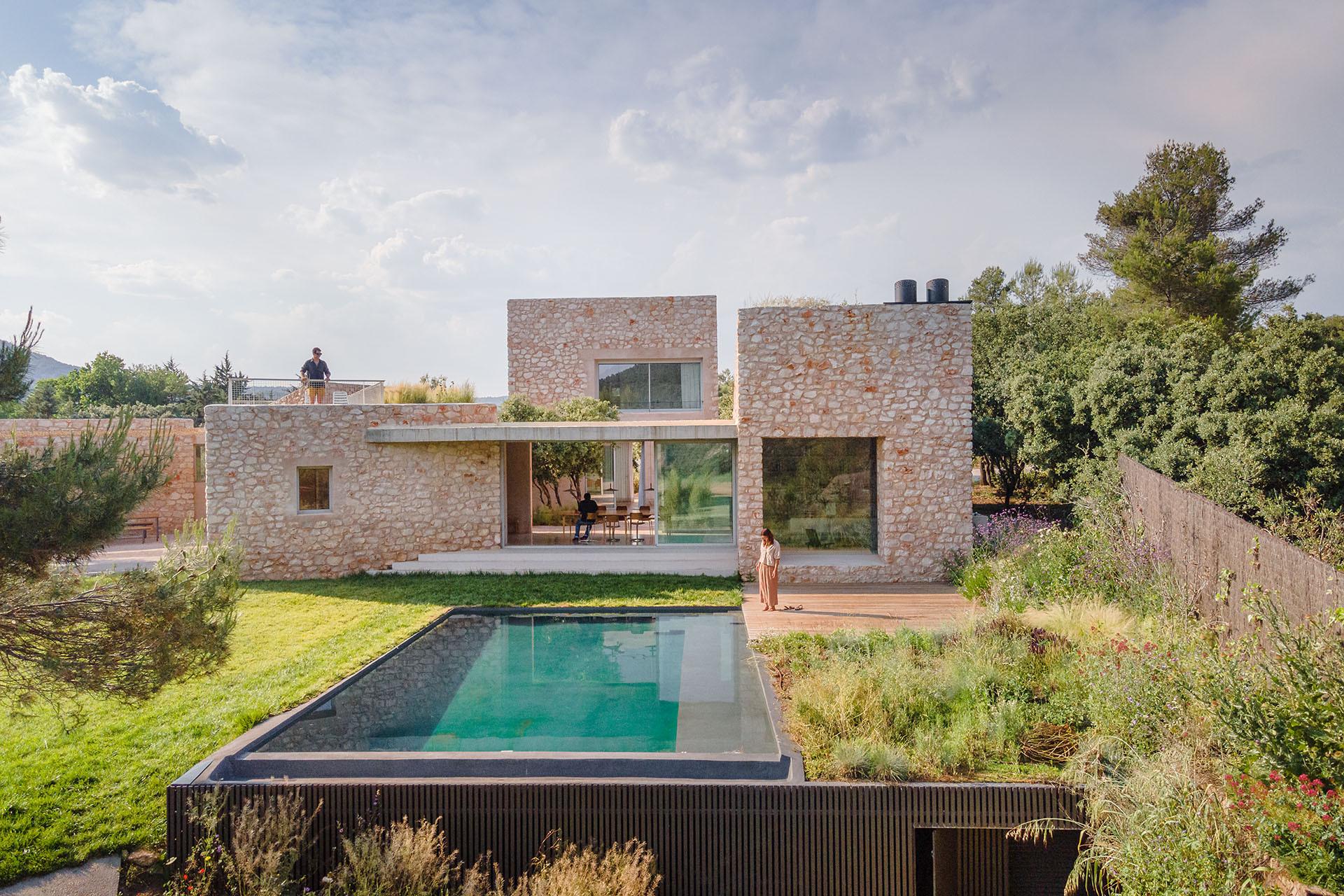 Dom z kamienia w Hiszpanii